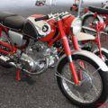 ホンダ ドリームCB72スーパースポーツ(1961年製造)が走行〈映像あり〉