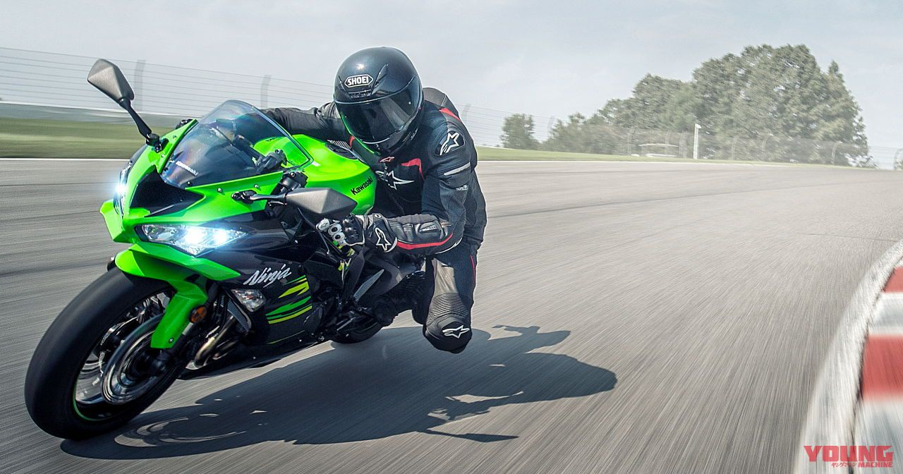 19_ZX-6R_Action_2a