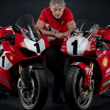 DUCATI PANIGALE V4 25° ANNIVERSARIO 916 and Carl Fogarty, and The 916