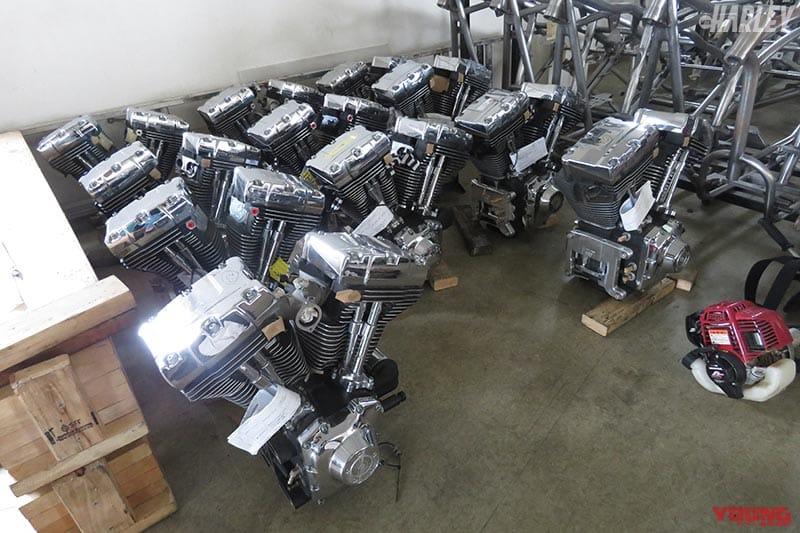 大量のショベルヘッドエンジン
