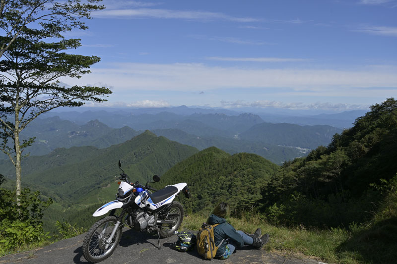 八倉峠付近の崩落跡地