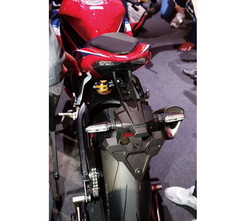 ホンダ CBR1000RR-R