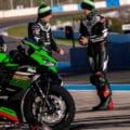 ジョナサン・レイ選手とアレックス・ロウズ選手がニンジャZX-25Rでヘレスサーキットを走行!