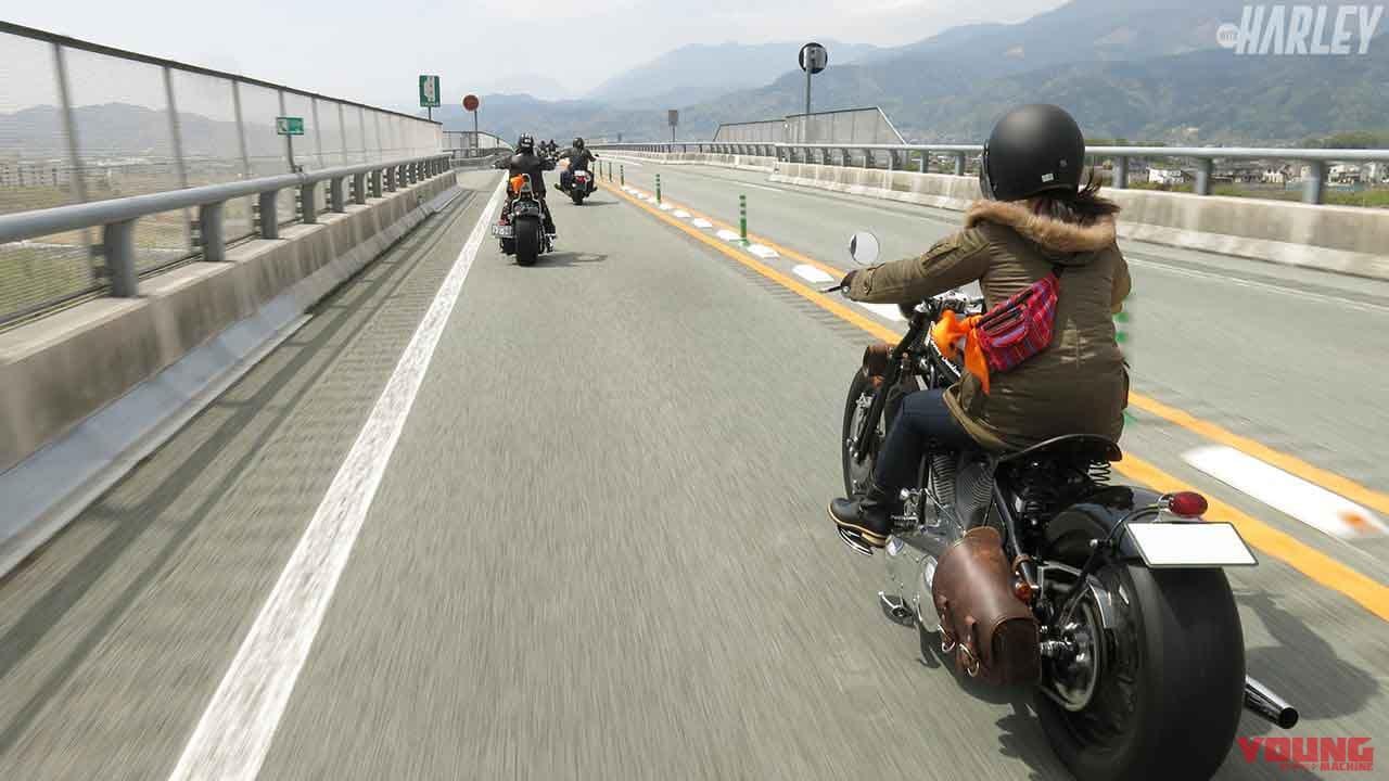ツーリング中の高速道路走行