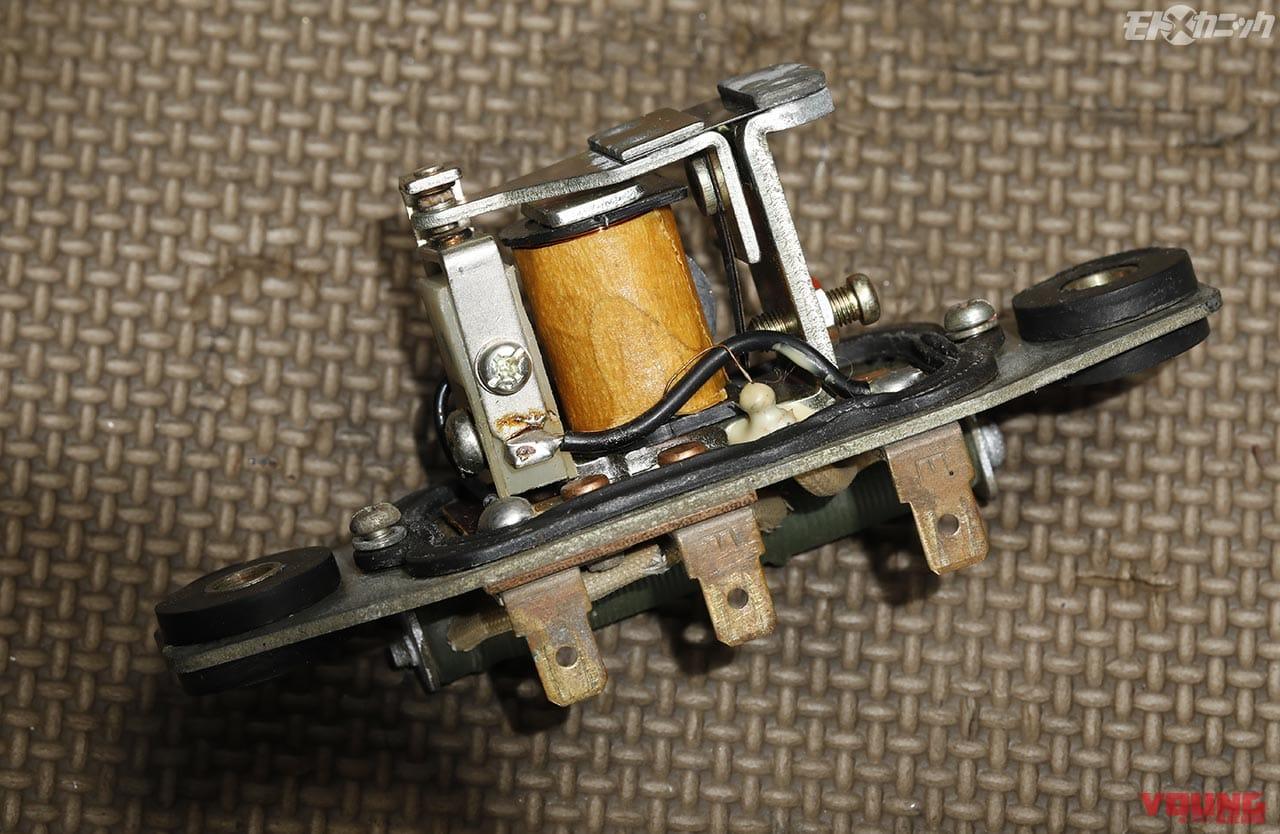 CB750Kの機械式レギュレーター