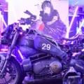 人気イラストレーターLAMの初個展「目と雷」に、強酸性雨に打たれたSFバイク展示