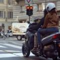 【映像】さらば立ちゴケ! 足を降ろさずに停車可能なヤマハの3輪スクーター「トリシティ300」の直立アシスト機能