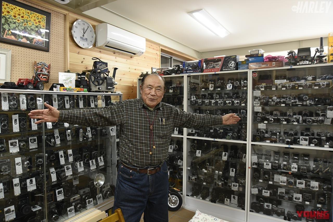自作のミュージアムに展示してある膨大なカメラコレクション