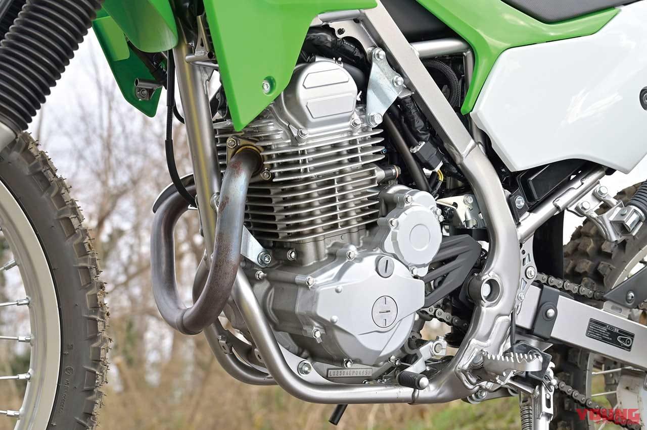 カワサキ KLX230のエンジン