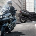 本当に転ばないバイクへ、また一歩! ヤマハ「トリシティ300」自立アシスト機能を携えて登場
