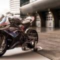 【税込500万円】BMW「M1000RR」の価格と発売時期が決定! 高い? 安い?