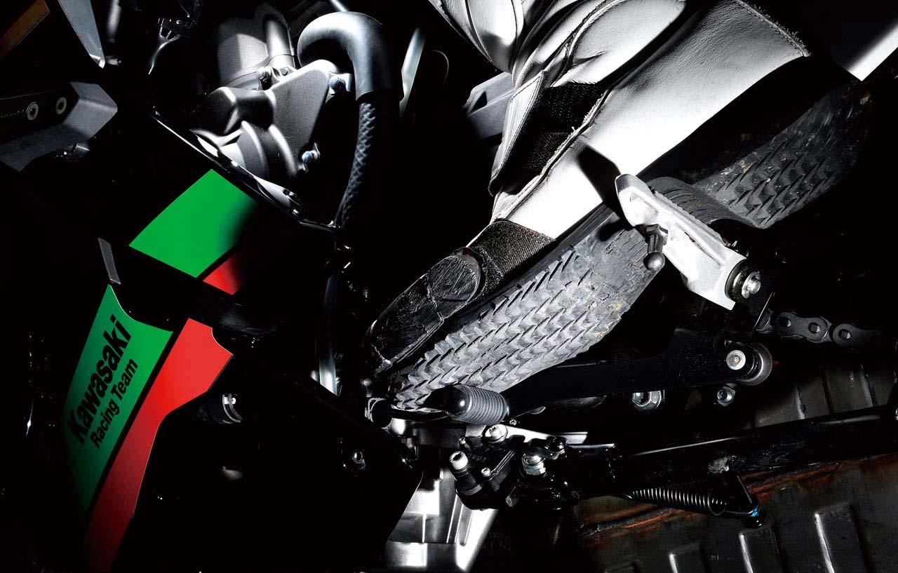カワサキ ニンジャZX-25Rの電子制御&足まわりインプレ