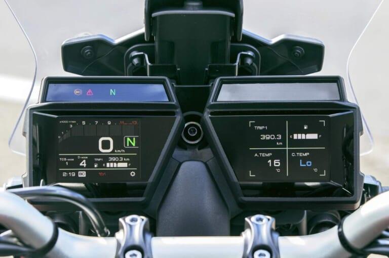 ヤマハ トレーサー9 GT 3.5インチダブルTFTメーター