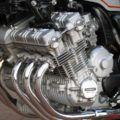 量産車世界初 DOHC24バルブ6気筒のCBX(1000)が走行
