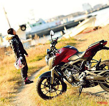 岡崎静夏×HONDA CB125R